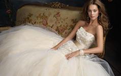 全新《12宫》婚纱发布