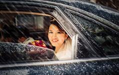雨中的新娘,别是一番风情