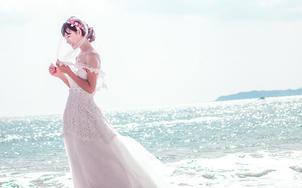 三亚婚礼跟拍摄影摄像海景草坪沙滩照片拍摄