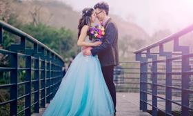 【烟蓝印象】穿彩纱出嫁的美丽新娘