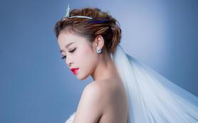 婚礼资深化妆师完美打造整体妆发