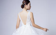 乐唯婚纱--双11活【唯字系】双肩明星款租赁价格