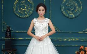 乐唯婚纱--【乐字系】心型镂空后背婚纱价格