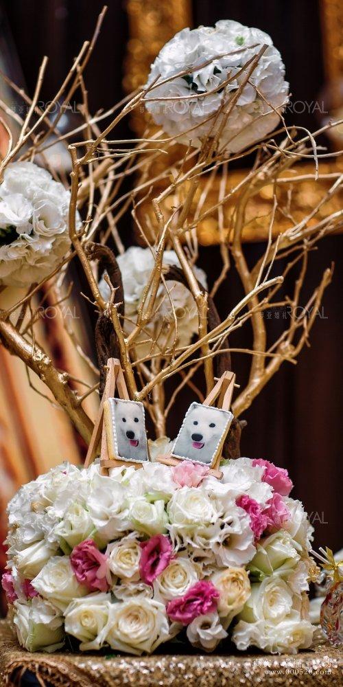 """""""你在行走,已成风景""""设计的灵感来自于美丽的新娘,由内而外的优雅音乐"""