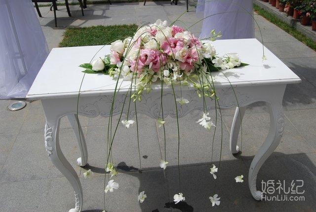 婚礼桌椅矢量图