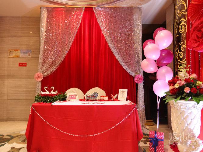 婚庆布置红色欧式新娘亭效果图