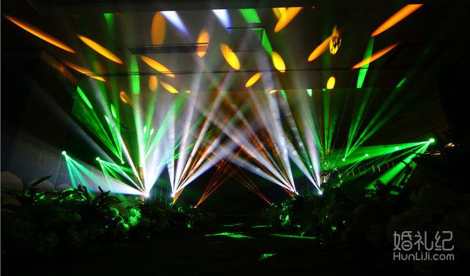 森系主题背景设计 舞台两侧森系喷绘背景装饰设计