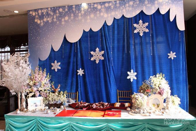 背景 独家《雪·梦》创意主题婚礼场景的设计策划与现场布置 2,签到台