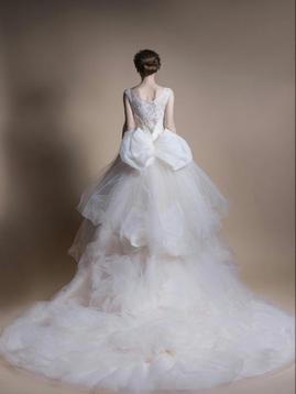 【欧妮莎婚纱】蕾丝一字肩蝴蝶结唯美大拖尾婚纱