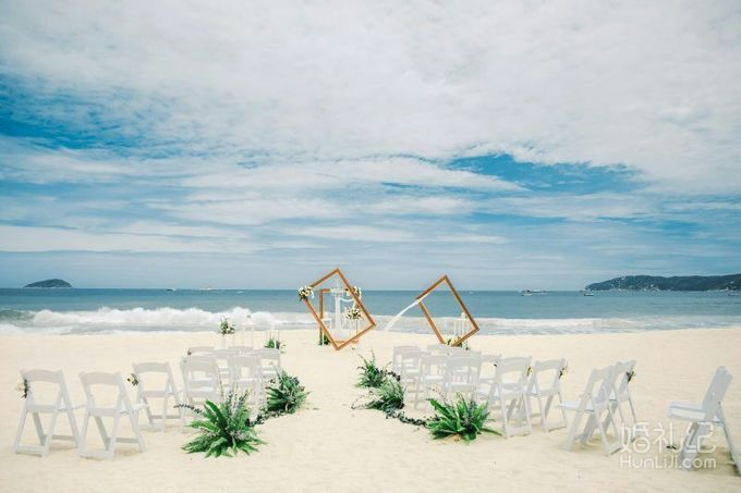 """""""简单爱""""三亚美高梅""""美时美刻""""百万婚礼秀之沙滩"""