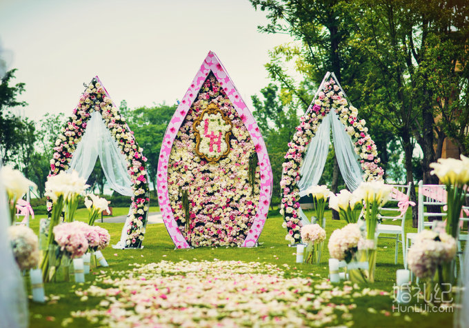 婚礼舞台桁架效果图