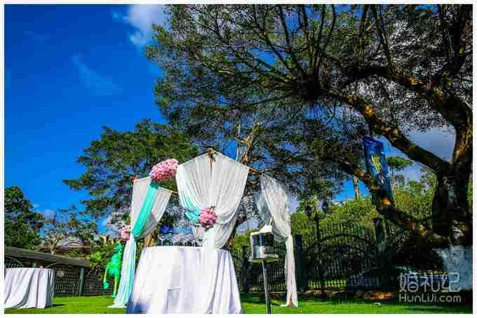 户外西式方形仪式亭 户外仪式亭作为婚礼仪式舞台