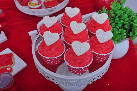 中国风传统古典大红色系精致甜品台