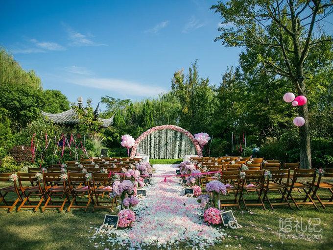 【婚礼场景整体布局】 鲜花们舞台背景    鲜花串帘      (或  欧式点
