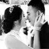 最喜欢的两张婚纱照竟然是黑白的..