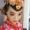 龙凤红袍中式妆PK蓬蓬白纱西式妆