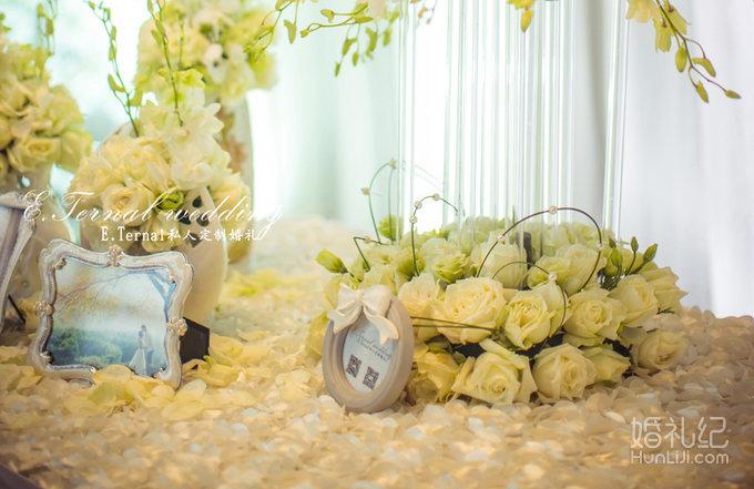 39800纯白色婚礼布置主题套系