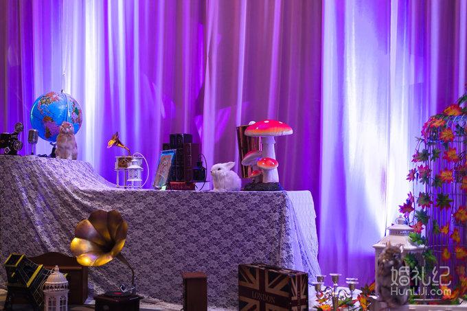 皇家婚礼套餐26888元:粉紫色婚礼布置