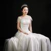 大饼脸新娘被拍出了韩范 穿露背装也美美哒!