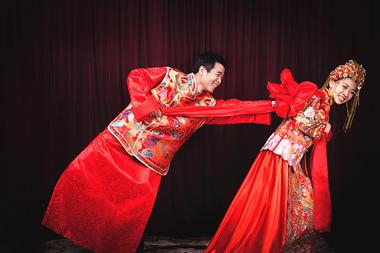 中国风凤冠霞帔婚纱照 中式婚礼 魔方摄影客照