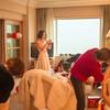 全蕾丝婚纱超精致 冬季婚礼这么搭最美