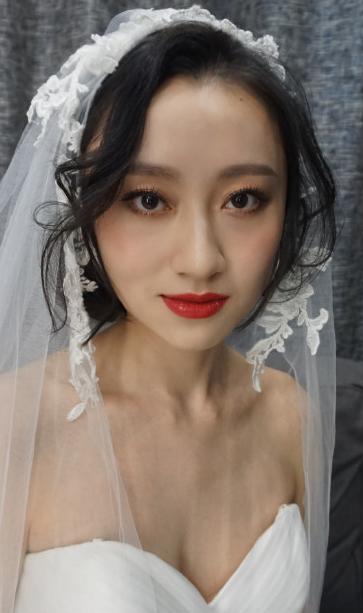 素面朝天的新娘妆 我还蛮喜欢的 大家呢?图片