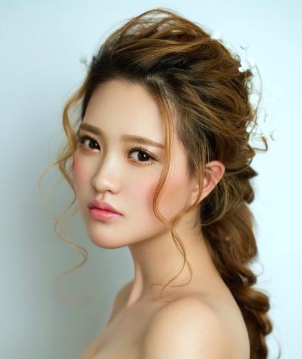 圆脸新娘适合什么样的发型呢?,婚礼纪 hunliji.com