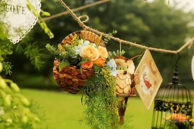 婚礼仪式区主题舞台设计(颜色造型根据新人喜好任意选择) 2,欧式唯美